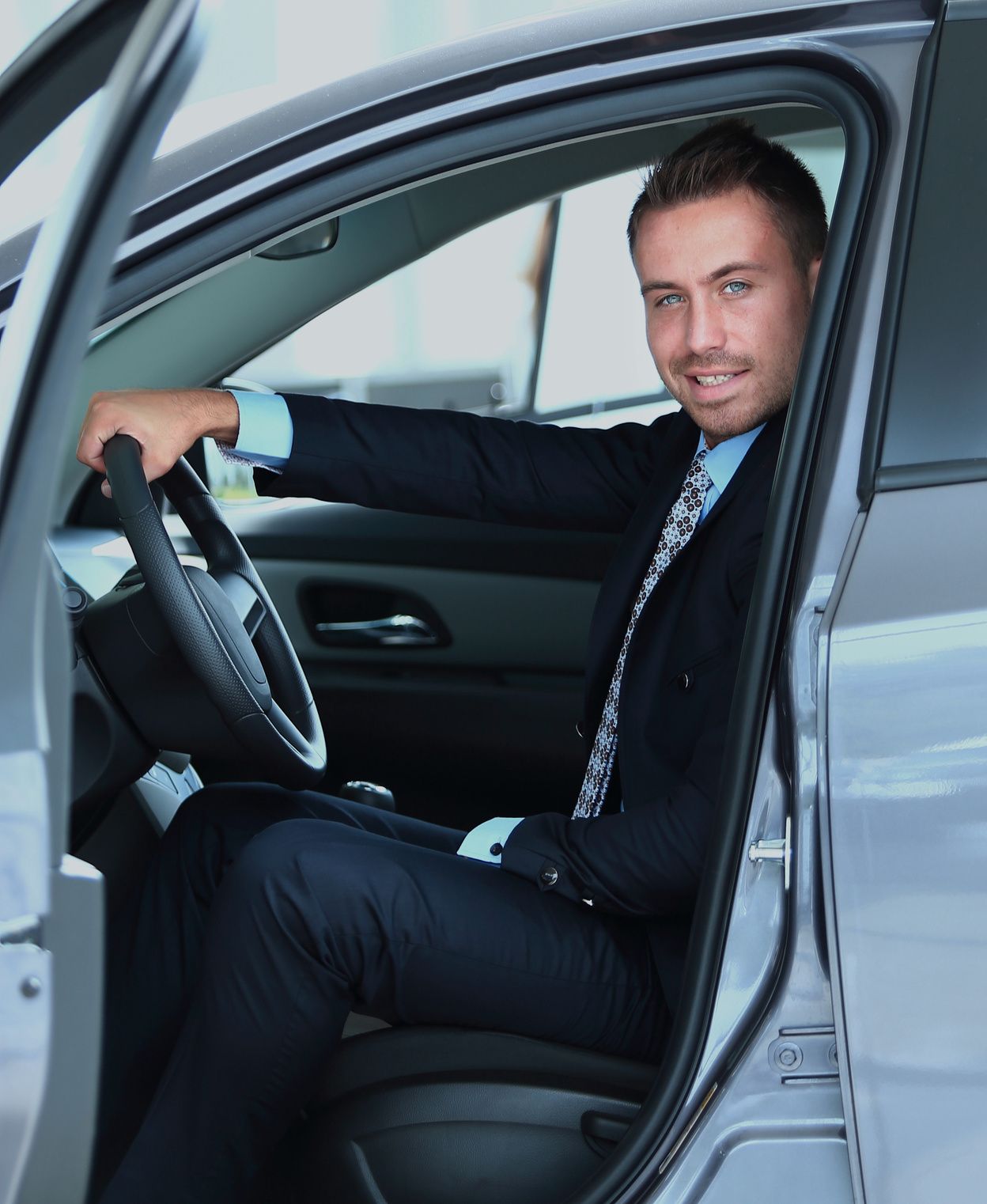 5 Proven Ways to Make Money with Cars